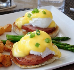 The Perfect Sous Vide Eggs Benedict #sousvide