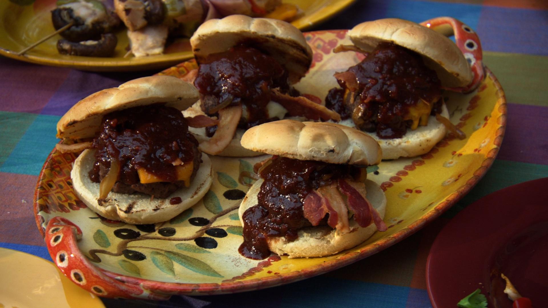 Sous Vide Turkish Slider Burgers Recipe — Dishmaps